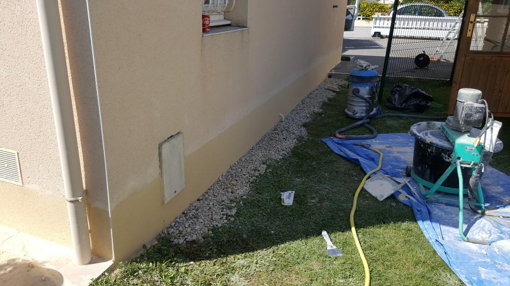 traitement humidit mur ext rieur artisan peintre fa adier ravalement traitement toiture. Black Bedroom Furniture Sets. Home Design Ideas